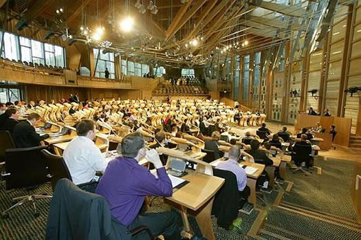 Democrazia diretta e partecipazione petizioni dei for Parlamento in diretta