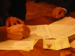 Unterzeichnung_Antrag_Hand_kl